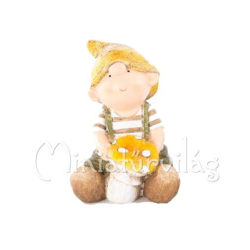 Kisfiú gombával figura