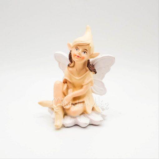 Manólány Figura